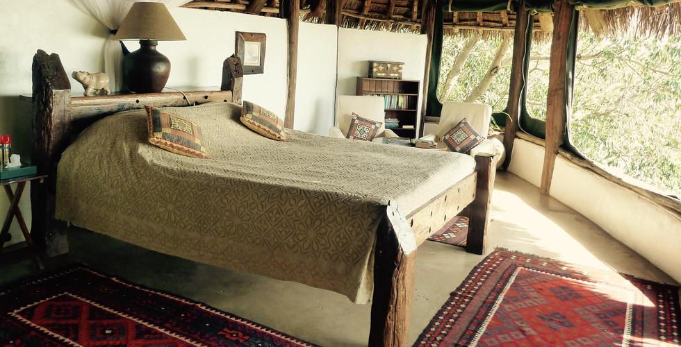 samatian-flycatcher-bedroom.jpg
