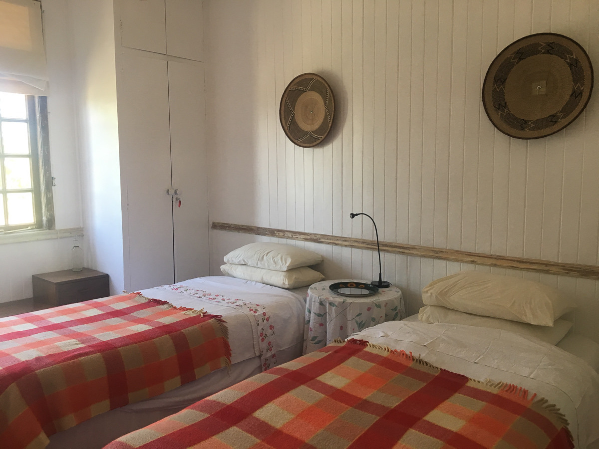 one-stop-100-year-old-house-twin-bedroom