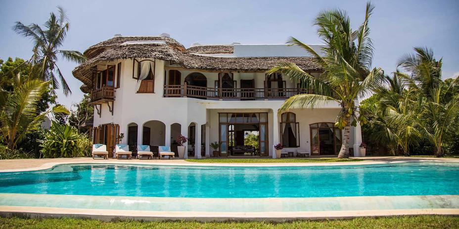 Shwari Watamu's infinity pool has stunning sea views