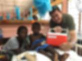 royjan-with-snakebite-patients-giving-su