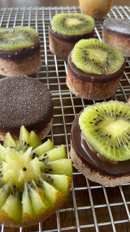 Bocados de vainilla con chocolate kiwi