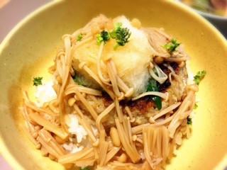 自家製なめ茸のせ豆腐バーグ丼.jpg
