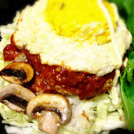大豆とオートミールとお野菜たっぷりロコモコ丼.jpg