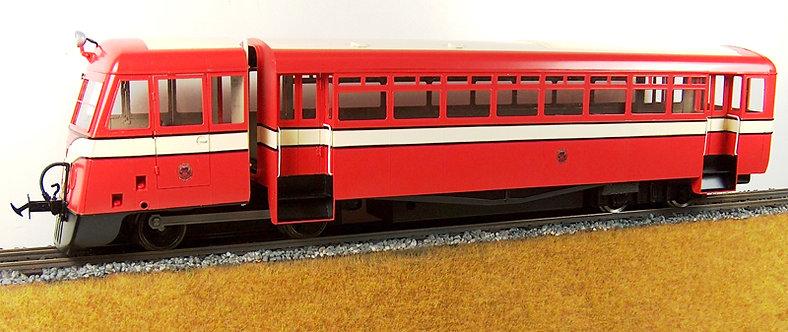 E20-8 IoM (EX CDR) Railcar Red & Cream
