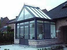Wintergarten Aachen. Wintergarten Aachen mit großen Glasfächen