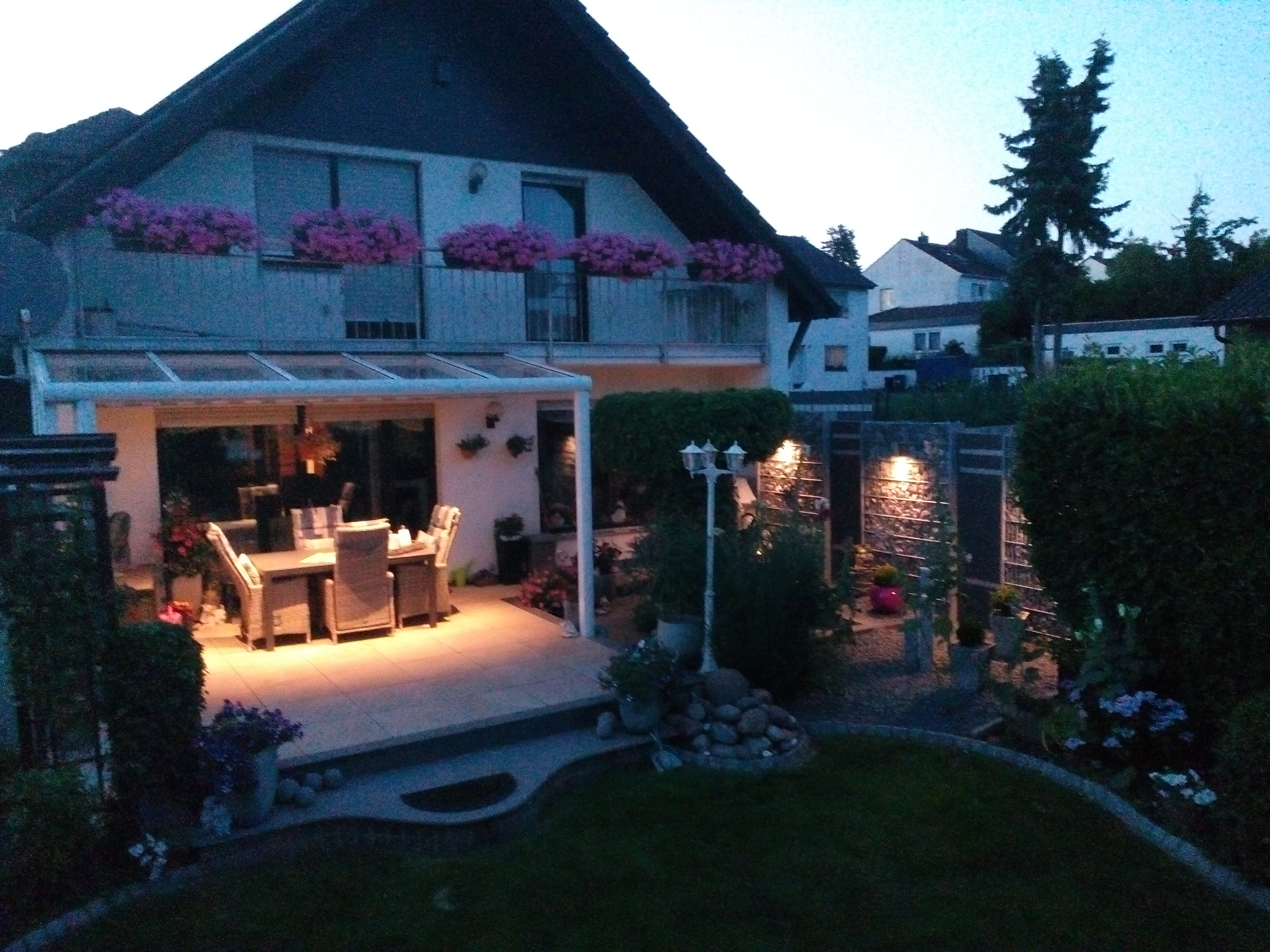 Terrassendach mit LED Beleuchtung