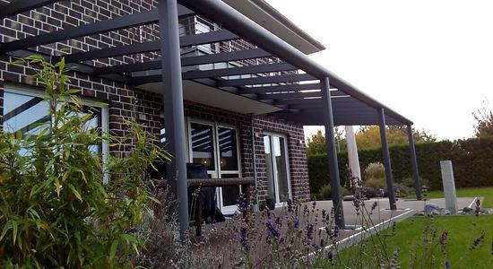 Terrassenüberdachung in Bonn mit Wintergarten Solution. günstige Terrassendach Angebote zu reduzierten Terrassendach Preise.Terrassendach aus Alu mit Glasdach und Beleuchtung.Terrassendach Bonn, schnell gut und günstig