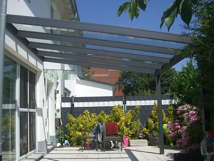 Der günstige Terrassendach Preis überrascht so das  aus dem günstigen Terrassendach Preis ein Kaltwintergarten Angebot werden kann, welches wir schlüsselfertig bauen können