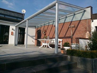 Terrassenüberdachung in Troisdorf mit Wintergarten Solution. günstige Terrassendach Troisdorf Angebote zu reduzierten Terrassendach Troisdorf Preise.Terrassendach aus Alu mit Glasdach und Beleuchtung