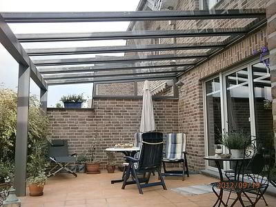 preiswerte Terrassenüberdachung aus Aluminium mit Glasdach zum stark redurierten Terrassendach Angebote sotiment. Terrassendach Angebote von Satzkowski Wintergarten-Solution Terrassenüberdachungen. Terrassendach Angebote günstig,zuverlässig.