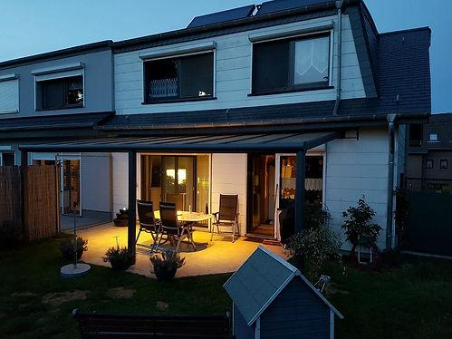 LED Terrassendach Beleuchtung, Terrassendach Beleuchtung mit LED zum Dimmen mit Fernbedienung. Geeignet für den Aussenbereich da IP 65. 1a Terrassendach Beleuchtung