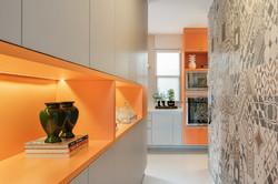 Nichos amarelos na cozinha