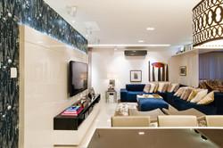 Home Theater com papel de parede azul