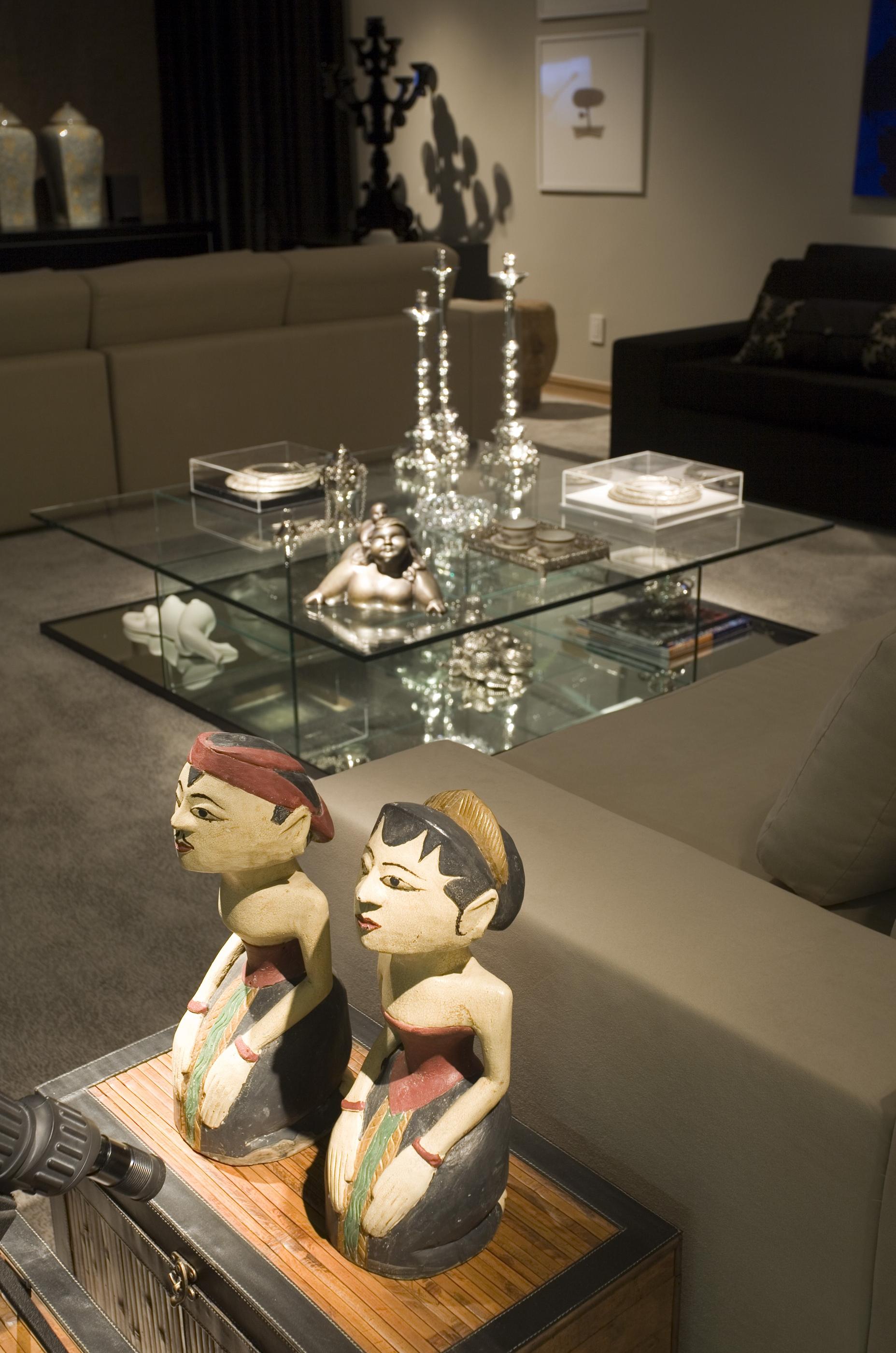 Mesa de centro em vidro e espelho