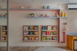 Estante para livros infantis