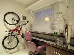 Gabinete com porta-bike