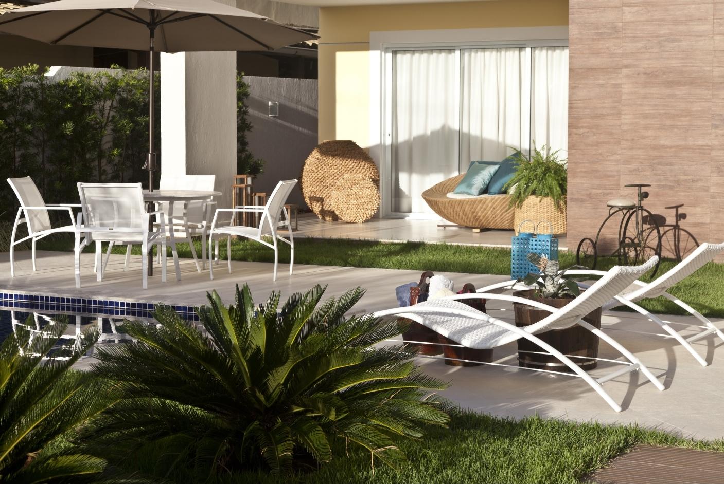 Fibra sintética para piscina e varanda