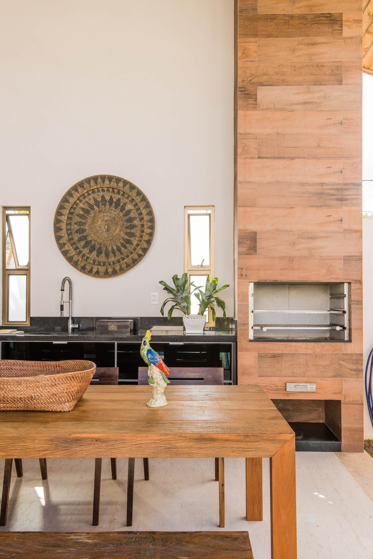 Mesa Gourmet com churrasqueira pré-moldada