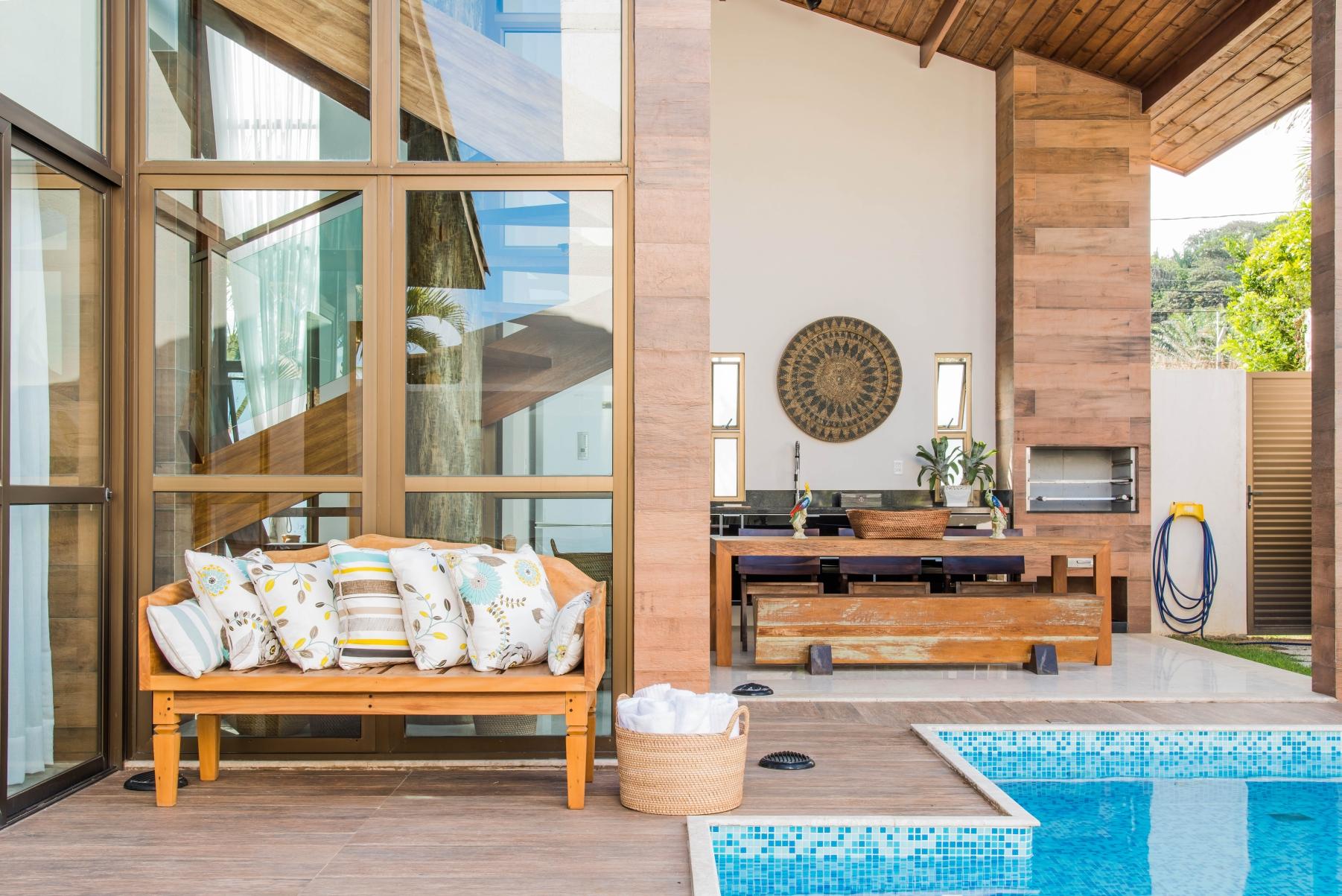 Espaço Gourmet integrado à piscina