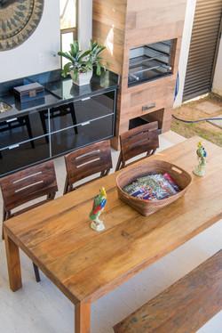 Mesa Gourmet em madeira tipo fazenda