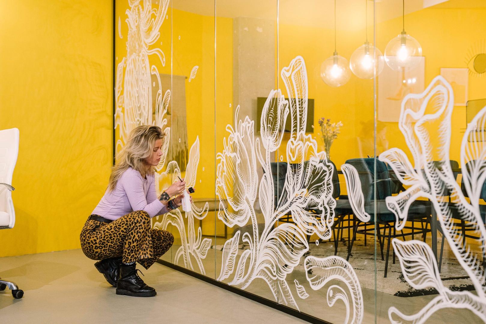 Window Art Meeting Room, Female Coworking Space