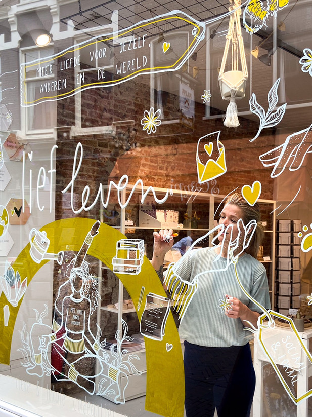 Translated the mission of Lief Leven on the windows