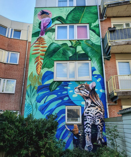 Helping Muralist 'Nina Valkhoff'