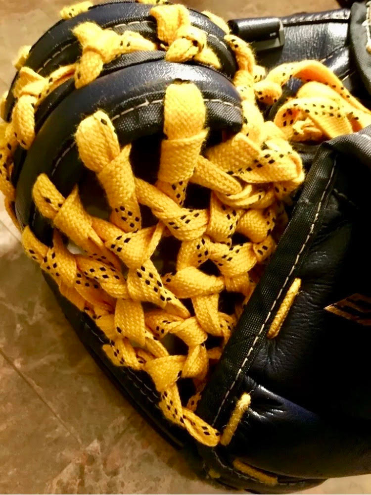 Catch glove pocket relaced