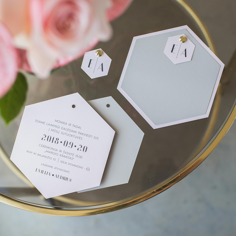 vestuviniai kvietimai korys bruknes vest