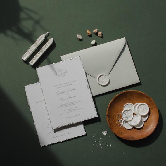 Klasikiniai minimal kvietimai su sidabru