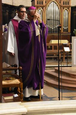 Pendant la proclamation de l'évangile