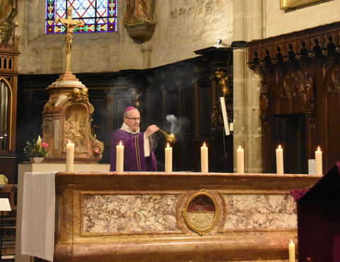 Encensement de l'autel
