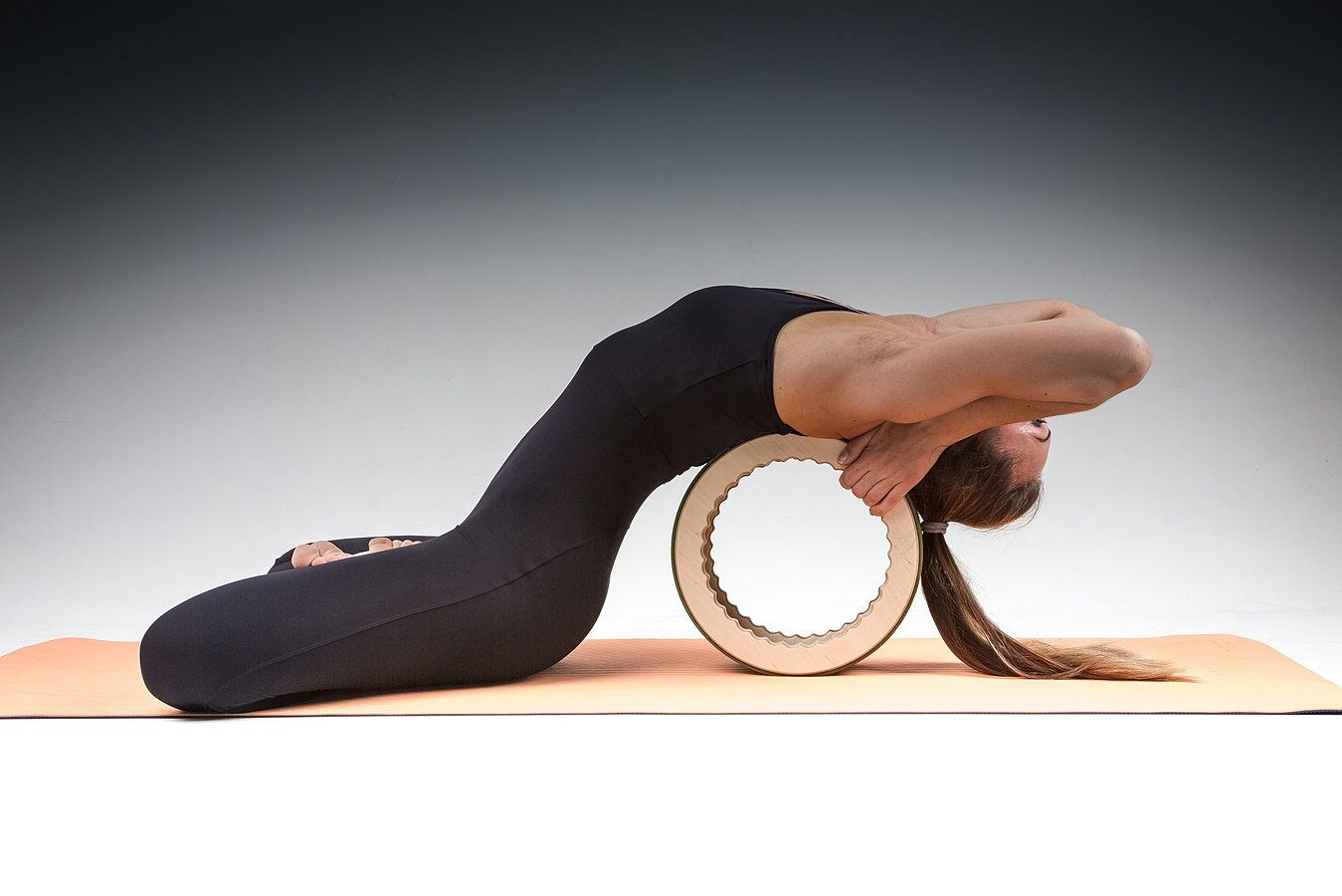 scoliosis yoga wheel - HD 1349×900