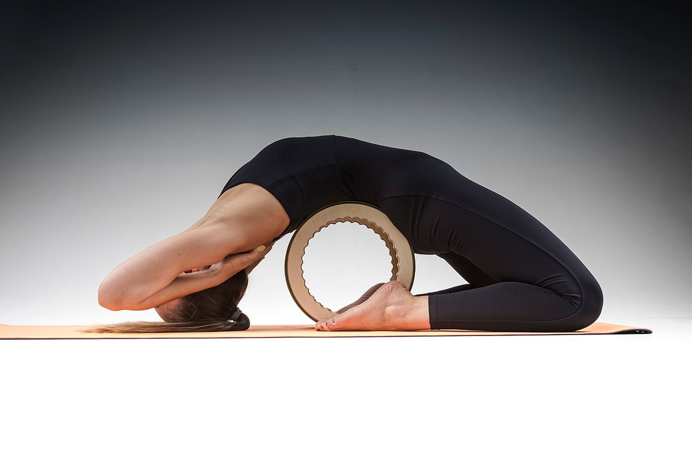 scoliosis yoga wheel - HD 1349×916