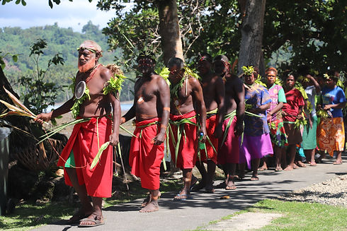 dancers and chiefs arrive.JPG