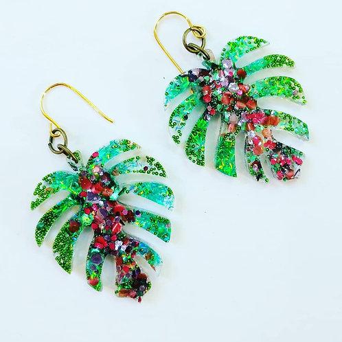 Monstera leaf earrings - resin