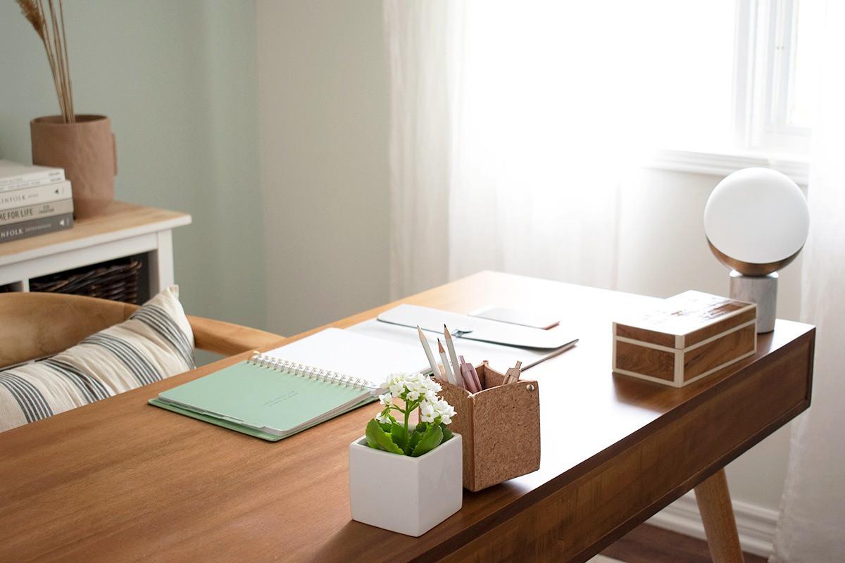 homeoffice_desk_kinfolk_design_Sha_Studi