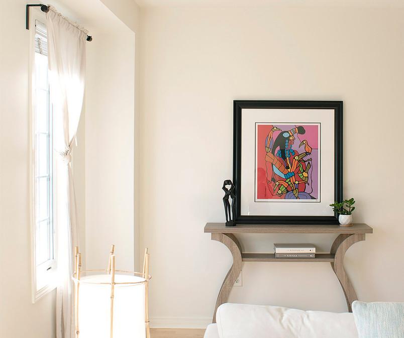 Airy_open_livingroom_art_Sha_Studio.jpg