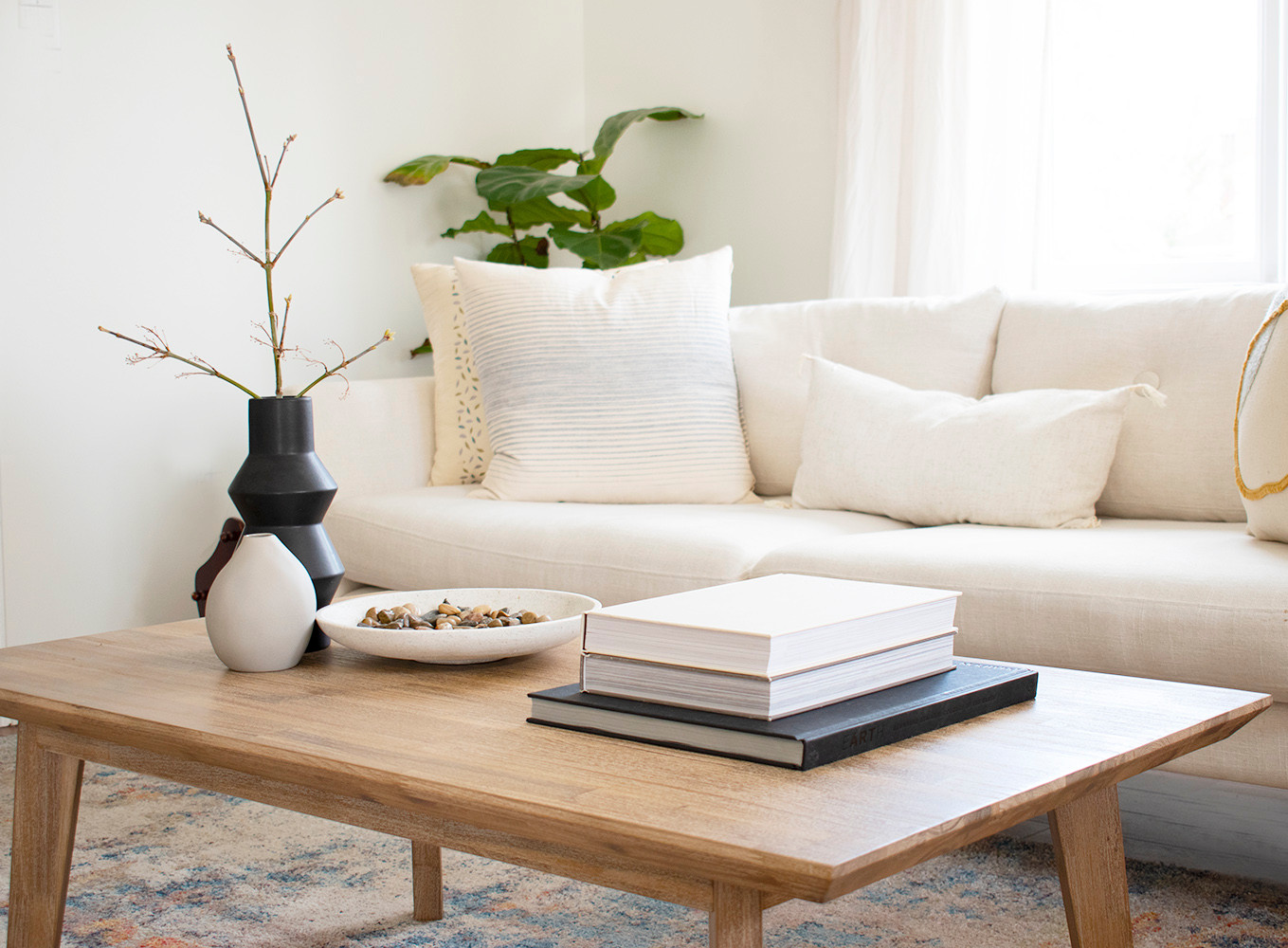 Coffee Table Styling :: Simple & Monochromatic