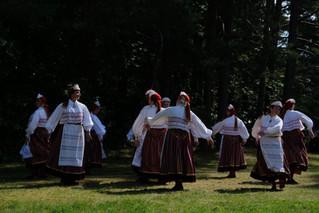 Pääsuke 40 - naisrühm Pühalepa juubeldab
