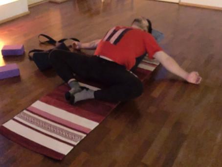 Jooga arkea tasapainottamassa - kokemuksia ensimmäisestä puolesta vuodesta joogan parissa
