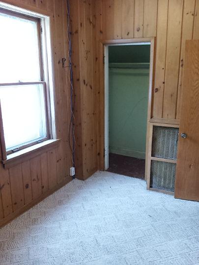 20140103_142236 k bedroom closet.jpg