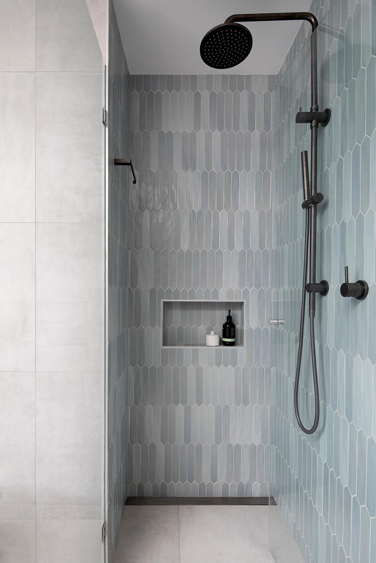 Hawthorn House shower