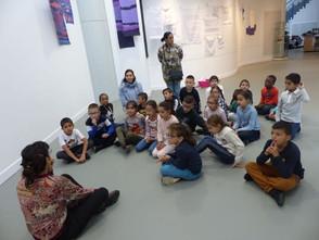 les classes primaires visitent l'exposition  échanges et ateliers avec Rosana Cassataro
