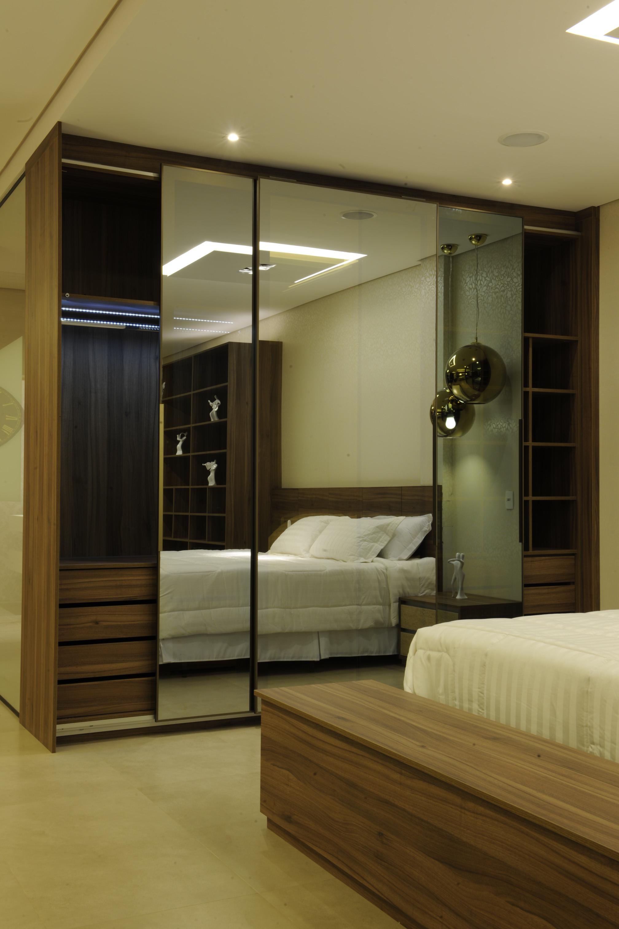 Closet Reflecta 4