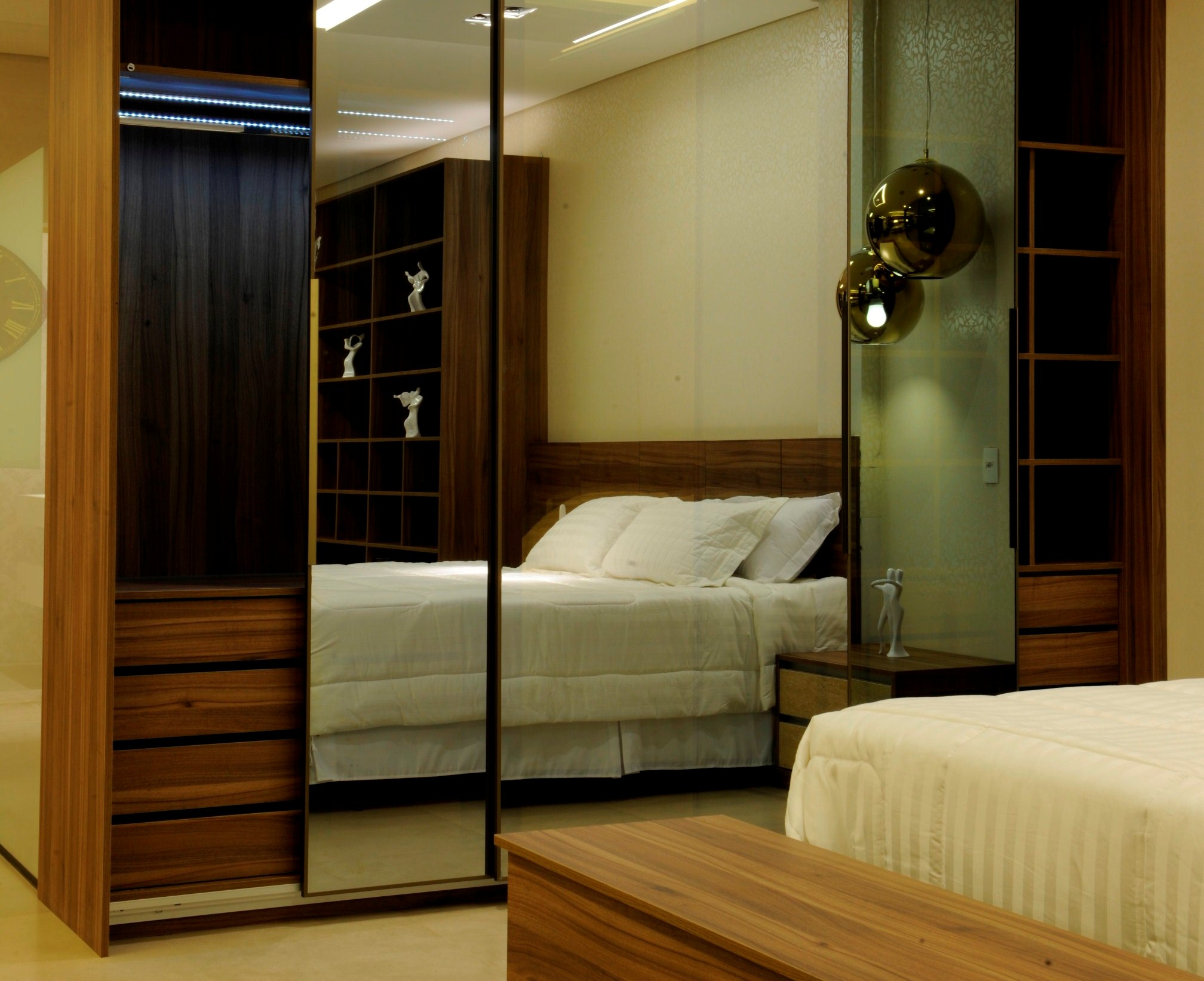 Closet Reflecta 5