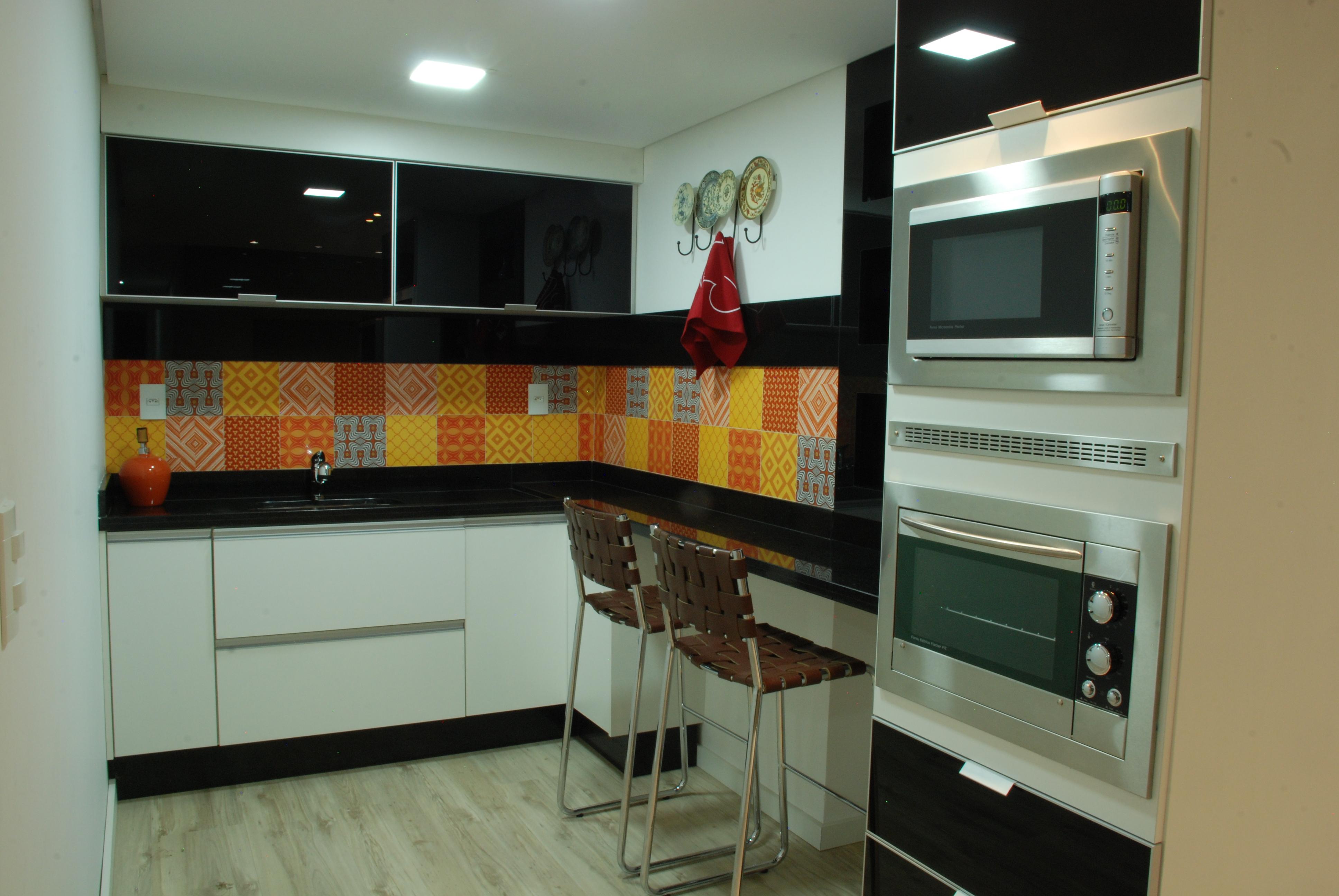 Cozinha Branca Preta 1