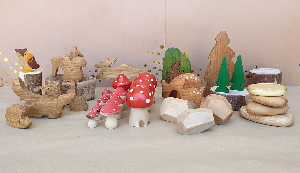 משחקים מעץ שמתאימים ליומולדת היער הקסום. פטריות, עצים, ינושים, שועל