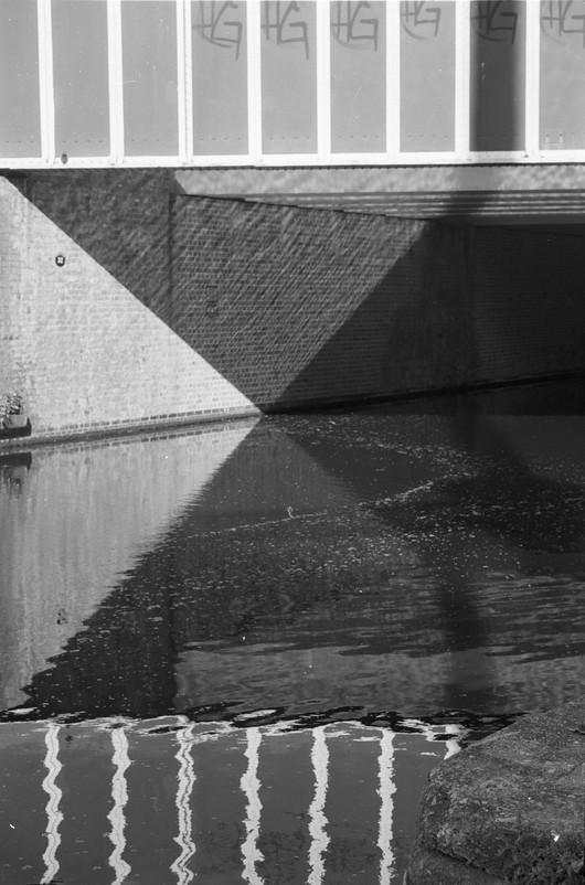 Canal cross