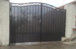 Double Semi Private Iron Gate
